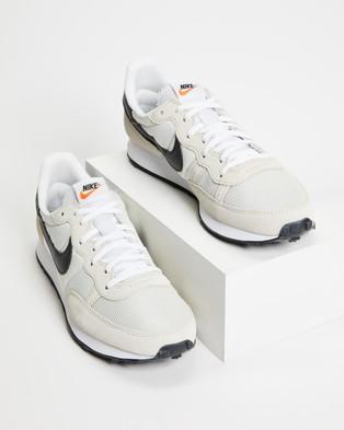 Nike Nike Challenger OG   Men's - Lifestyle Sneakers (Light Bone, Black & White)