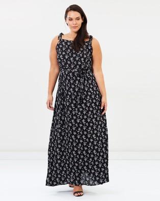 Atmos & Here Curvy – Marigold Maxi Dress – Printed Dresses Black Wallpaper Floral