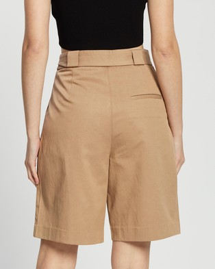 M.N.G Cesi Bermuda Shorts - High-Waisted (Medium Brown)