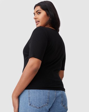 Cotton On Curve - Leni Henley Short Sleeve Top - Tops (Black) Leni Henley Short Sleeve Top