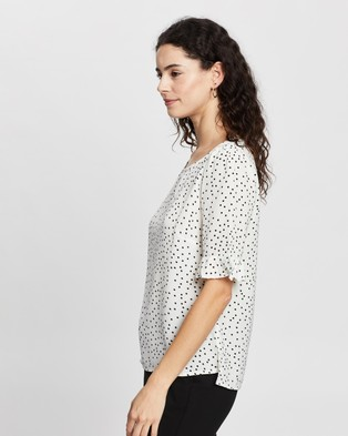 Atmos&Here Shelby Top - Tops (White Black Spot)