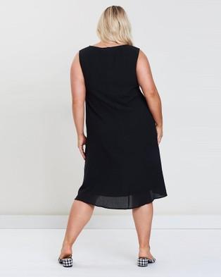 Advocado Plus Step Hem Lined Dress - Dresses (Black)