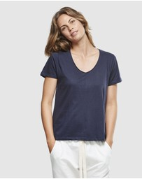 Cloth & Co. - Organic Cotton Classic V-Neck Tee