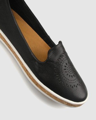 Airflex Guest Leather Slip On Shoes - Casual Shoes (Black)