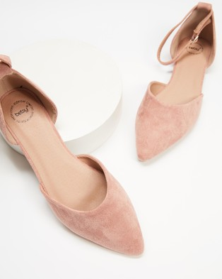 Betsy - Cut Out Ballet Flats (Pink)