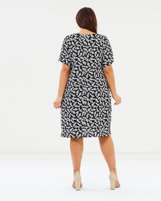 Advocado Plus Eve V Neck Dress - Printed Dresses (Arrow)