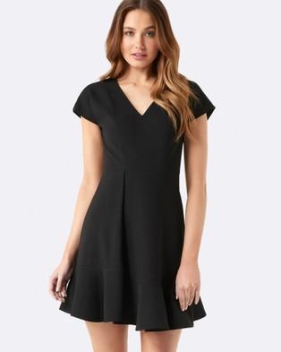 Forever New – Meg Flippy Hem Dress