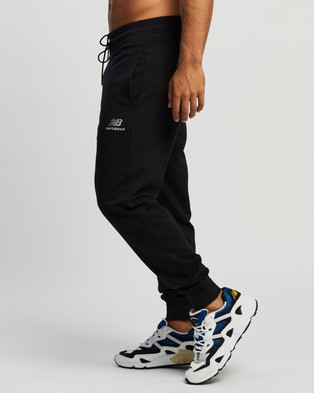New Balance NB Essentials Graphic Sweatpants - Track Pants (Black)