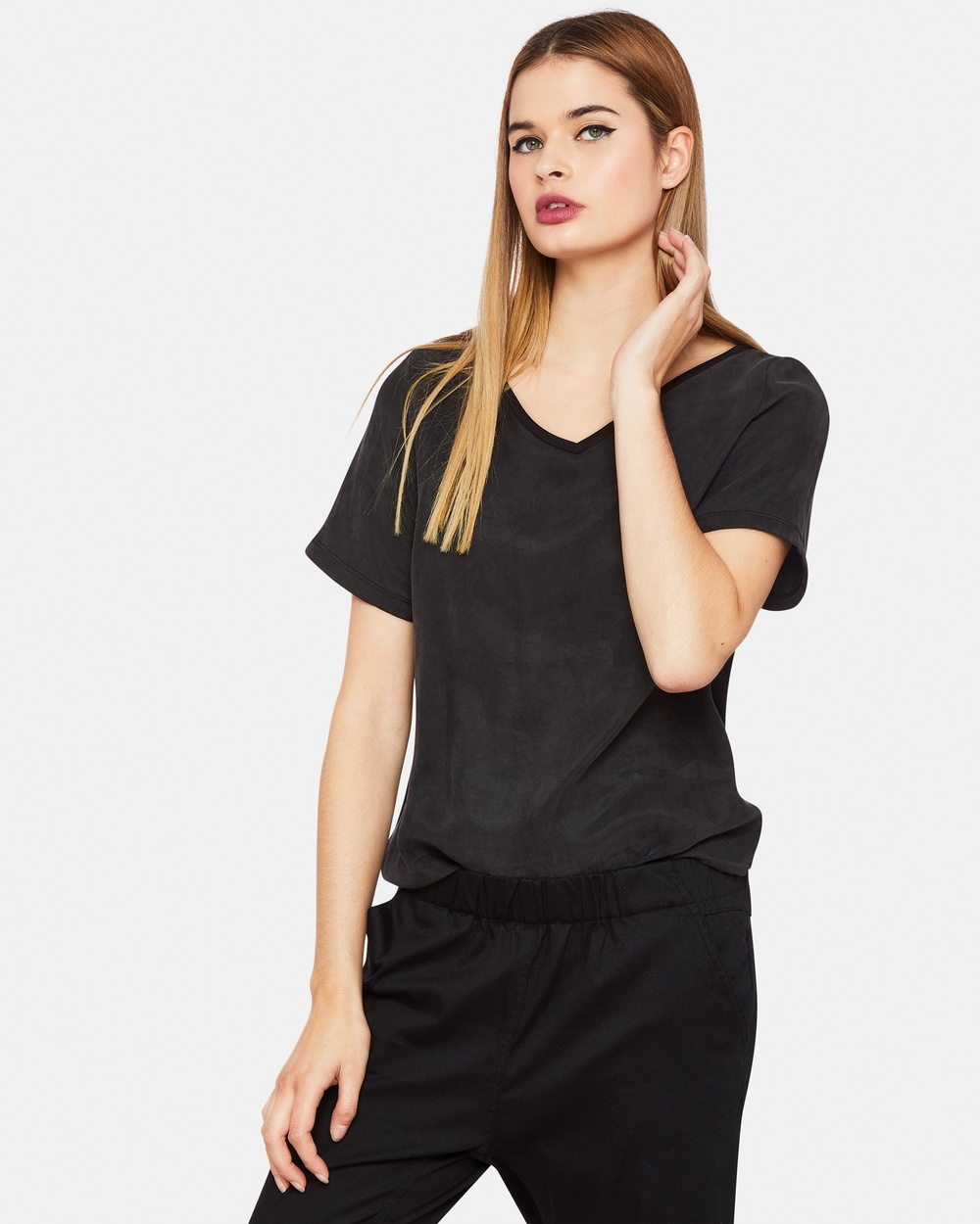 Oxford LAYLA WOVEN FRONT V NECK T SHIRT Tops Black LAYLA WOVEN FRONT V-NECK T-SHIRT