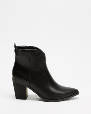 Betsy - Ankle Boots (Black)
