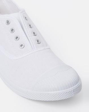 Walnut Melbourne Euro Canvas Plimsole Sneakers - Slip-On Sneakers (White)