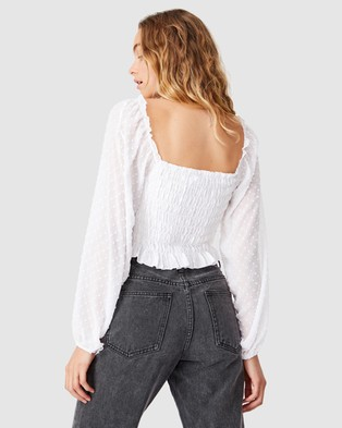 Cotton On - Milly Shirred Dobby Long Sleeve Blouse - Cropped tops (White) Milly Shirred Dobby Long Sleeve Blouse