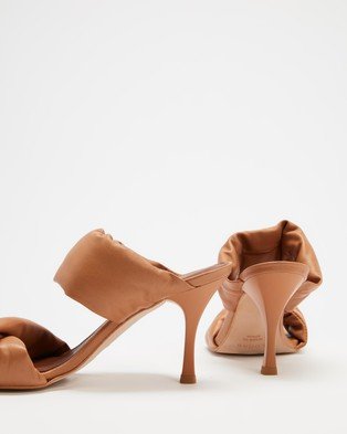Alohas Sandals Twist Strap - Sandals (Camel)