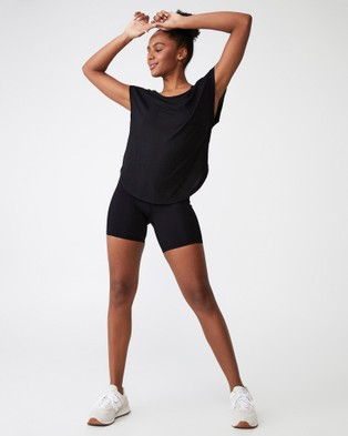 Cotton On Body Active Active Scoop Hem T Shirt - Short Sleeve T-Shirts (Black)