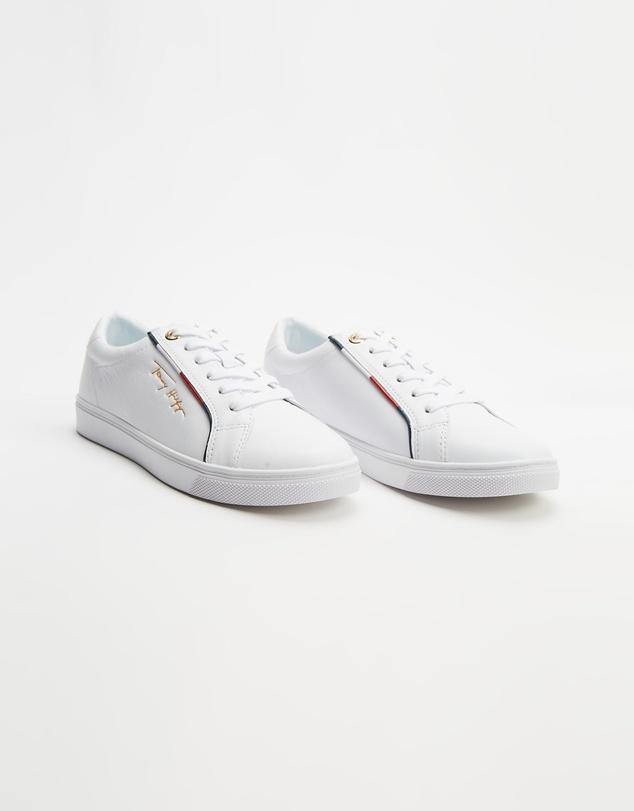 Women Signature Sneakers - Women's