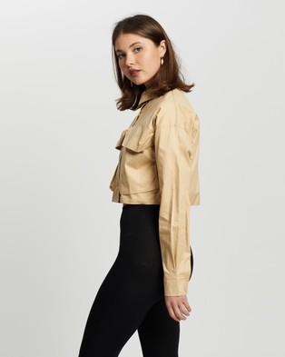 Missguided - Twill Button Front Boxy Crop Shirt - Cropped tops (Stone) Twill Button Front Boxy Crop Shirt