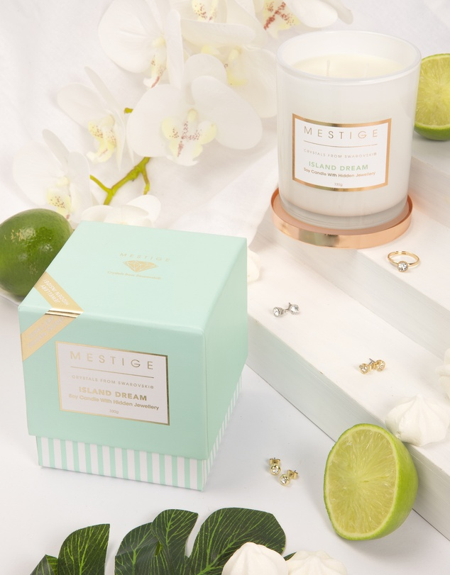 Life Island Dream Scented Soy Candle with Hidden Jewellery