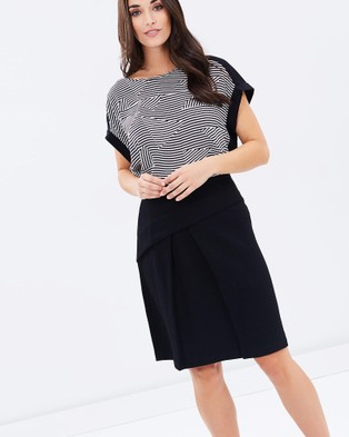 Privilege – Relaxed Fit Top – Tops (Black & White Stripe)