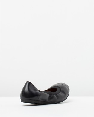 Walnut Melbourne Ava Leather Ballet Flats - Ballet Flats (Black)