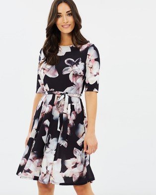 Wallis – Stone Floral Dress – Printed Dresses Neutral