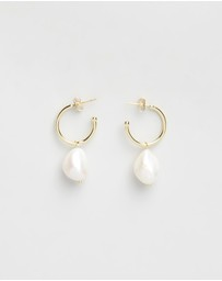 Bianc - Freshwater Pearl with Small Hoop Earrings
