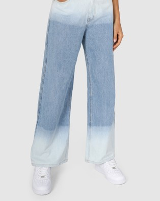 BY.DYLN Billie Jeans - Mom Jeans (Blue)