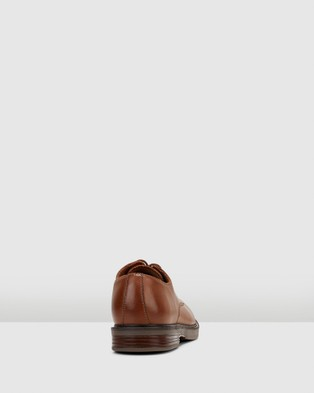 Clarks Paulson Plain - Dress Shoes (Tan Leather)