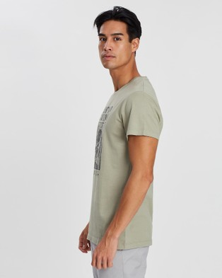 Kent and Curwen Rose Printed T Shirt - T-Shirts & Singlets (Green)