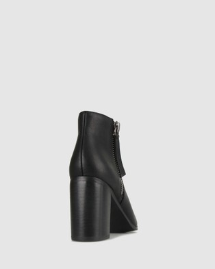Betts Kyte Pointed Toe Boots - Heels (Black)