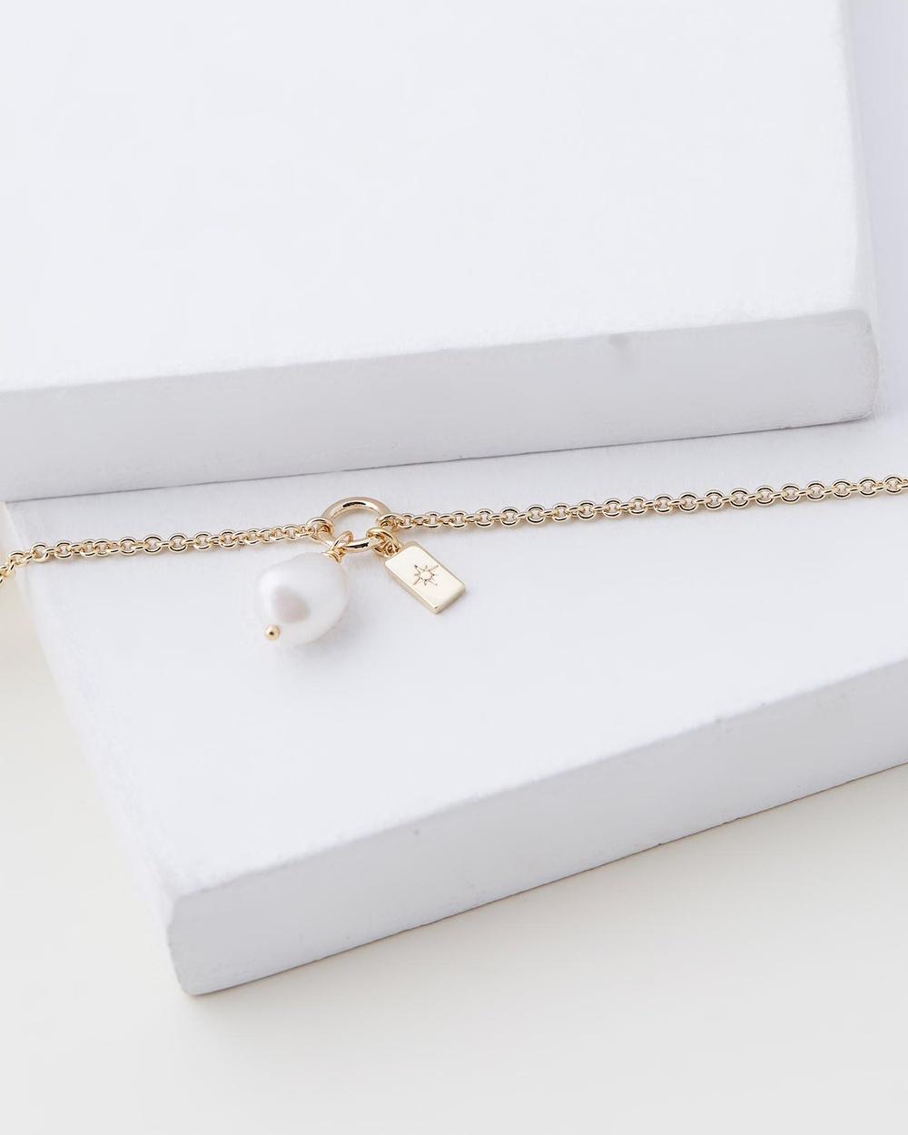 Sorella Pearl Drop Bracelet Jewellery Gold