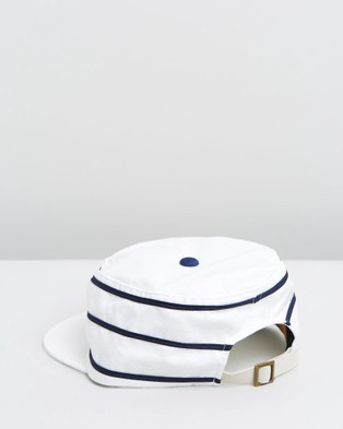 Fallen Broken Street The 1930's - Hats (White & Navy)