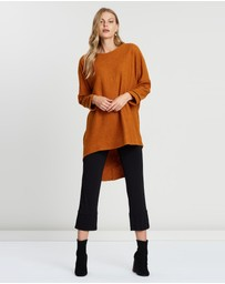 Faye Black Label - Batwing High-Low Top
